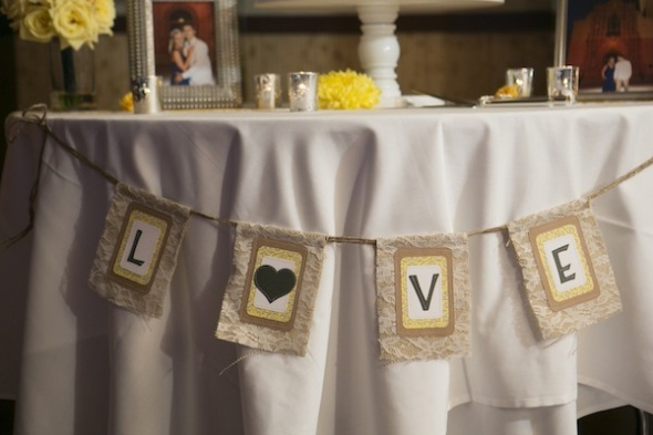 cake table love sign