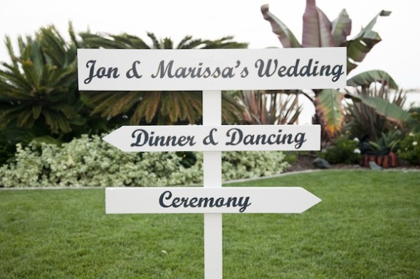 sign pointing to dinner and to ceremony